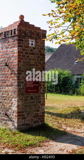 Listed building sign on gatepost of Gut Boltenhof Hotel & farm, Brandenburg, Germany - Stock Image