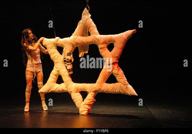 Smadar Yaaron - Theaterproduktion 'Wishuponastar - A Fatal Love Story' (Regie und Konzept ebenfalls die - Stock-Bilder
