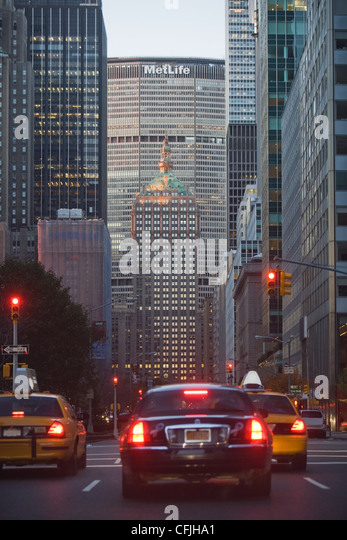 Cars on Park Avenue, New York, USA - Stock Image