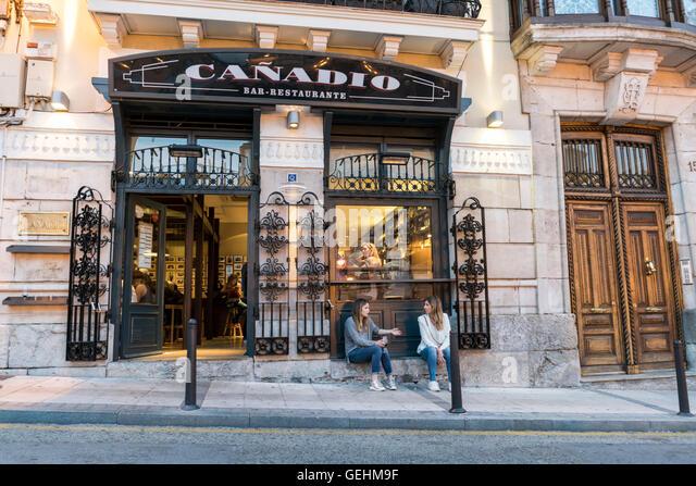 Bar Restaurante Canadio en Plaza de Canadio. Santander. Cantabria. Spain - Stock-Bilder