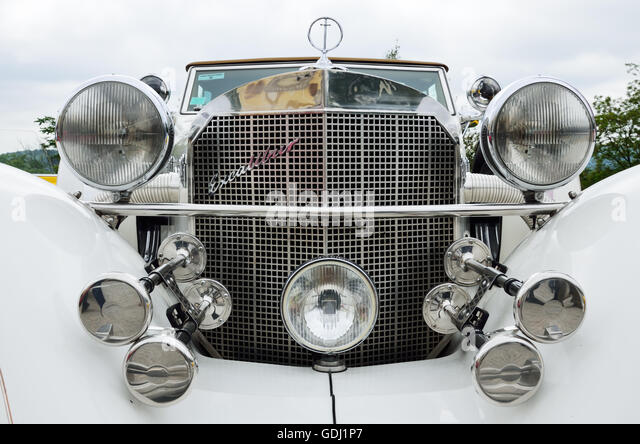 Vintage Automobile Front Center With One Headlight : Mascot hood stock photos images alamy
