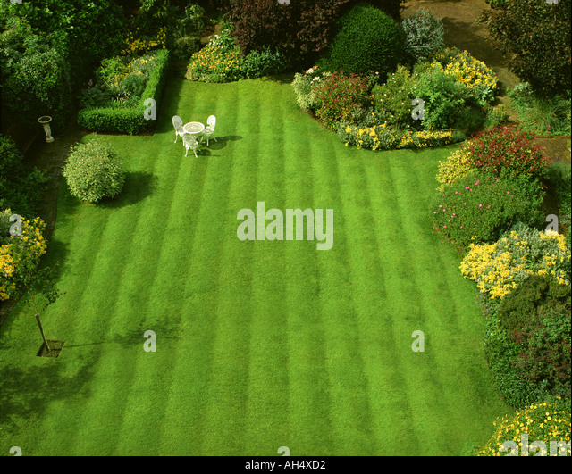GB - GLOUCESTERSHIRE: Garden Scene at Parkgate in Cheltenham - Stock Image