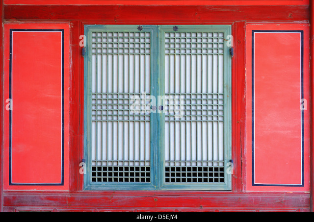 window on a gyeongbokgung palace in seoul, korea. - Stock Image