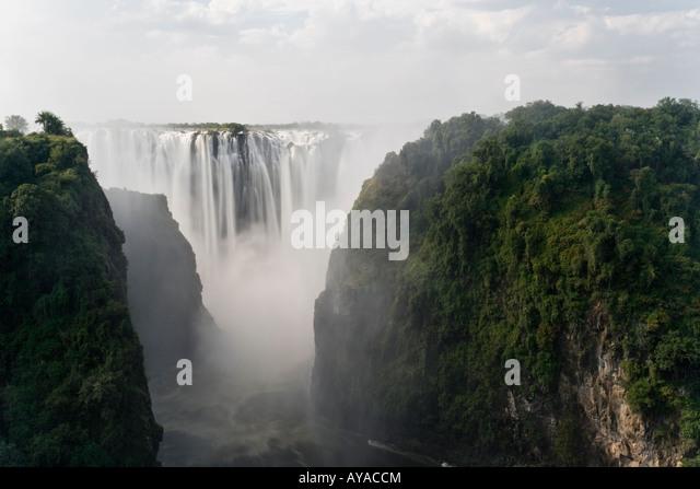 Cascading Victoria Falls (Mosi-oa-Tunya) from the Border of Zimbabwe and Zambia - Stock Image