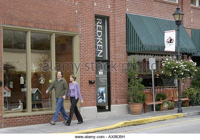 West Virginia Lewisburg couple shopping walking - Stock Image