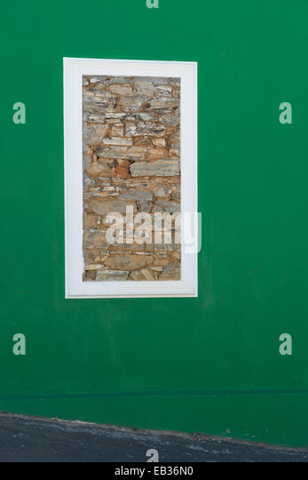 Stonewalled window in a green wall, Bo Kaap, Cape Town, South Africa - Stock-Bilder