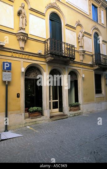 Mori stock photos mori stock images alamy for Designhotel italien