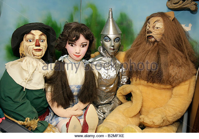 Indiana Chesterton Yellow Brick Road Gift Shop and Wizard of Oz Fantasy Museum figurines dolls characters children's - Stock Image