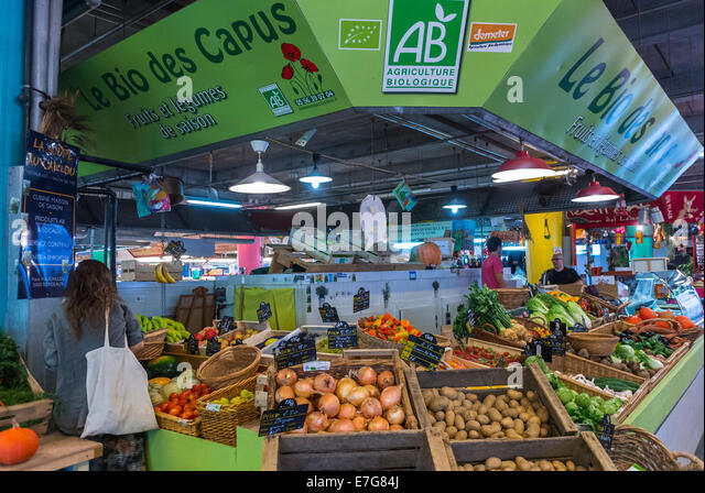Marche des capucins stock photos marche des capucins for Aquitaine france cuisine