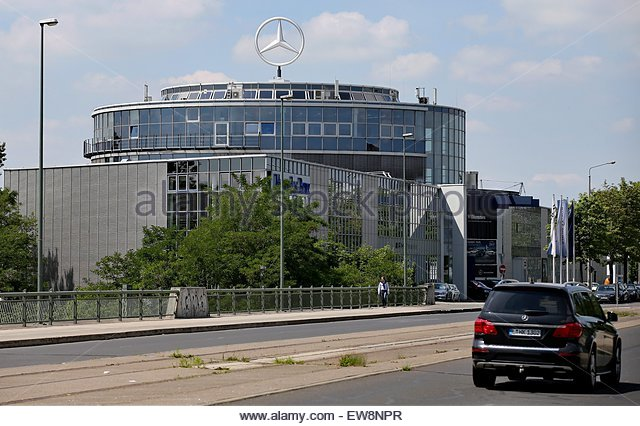 mercedes benz branch stock photos mercedes benz branch stock images alamy. Black Bedroom Furniture Sets. Home Design Ideas