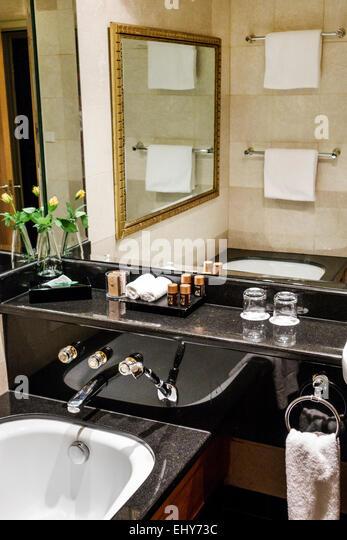 South Africa African Johannesburg Rosebank Hyatt Regency hotel guest room bathroom - Stock Image