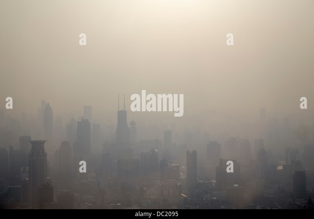 Mist over Shanghai cityscape, China - Stock-Bilder