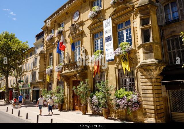 Foyer Lion Salon De Provence : Cote salon stock photos images alamy