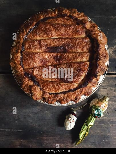 Traditional fruit pie for the holidays. - Stock-Bilder