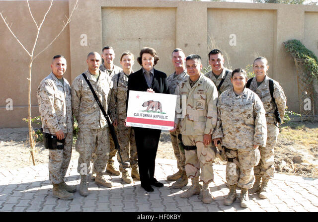 041202-M-8479B-016 Camp Fallujah, Iraq (Dec. 2, 2004) - California State Senator Dianne Feinstein, take a group - Stock Image