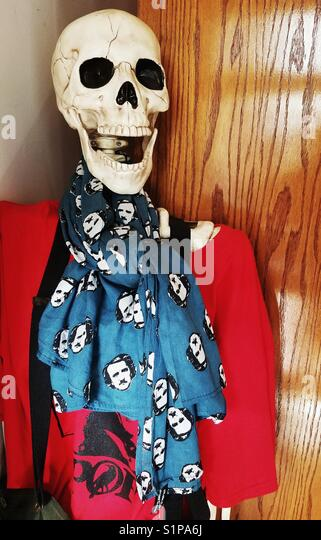 Decorated Halloween skeleton at the Edgar Allan Poe Museum in Richmond, Virginia - Stock Image