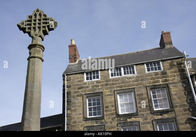 UK, England, Alnwick, Market Place, Market Cross, - Stock Image