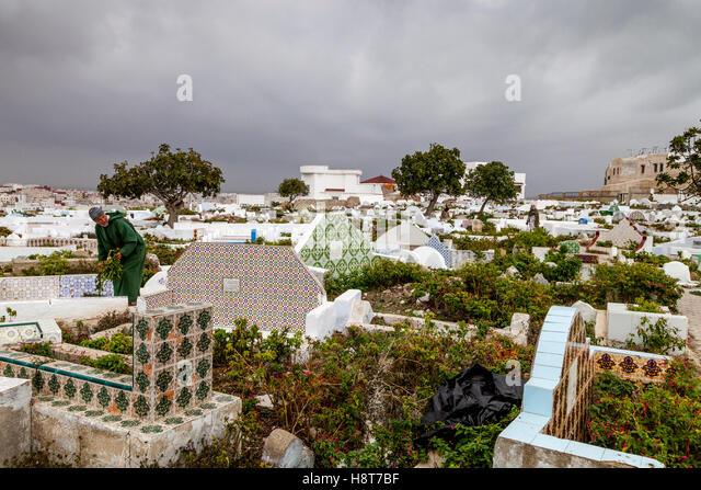 tetouan muslim Head southeast from tetouan when the merenid sultan abu thabit constructed a kasbah at tetouan in 1307, the muslim city began to find its form.