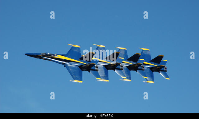 100508-N-8497H-120 TUSCALOOSA, Ala. (May 8, 2010) The U.S. Navy flight demonstration team, the Blue Angels, performs - Stock Image
