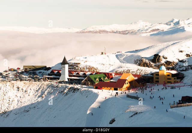 Aerial view of snowy mountain town - Stock-Bilder