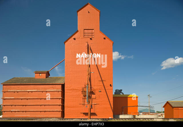 WOOD FRAMED GRAIN ELEVATORS NANTON ALBERTA CANADA - Stock Image