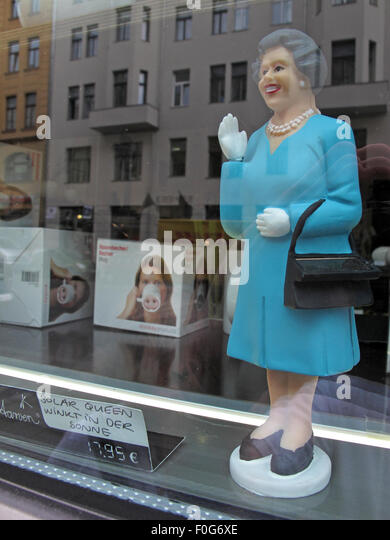 Single Queen Elizabeth of England Solar Powered toy, Mitte, Germany, Europe - Stock Image