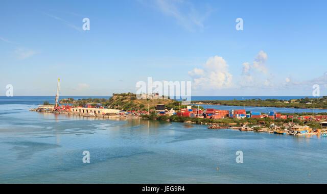 House  E Shoreline Islands Fort Bay