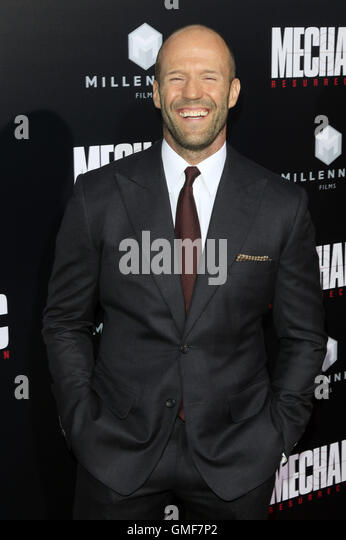 Hollywood, California. 22nd Aug, 2016. Jason Statham attends the premiere of Summit Entertainment's 'Mechanic: - Stock-Bilder