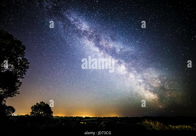 Somerset, UK. 18th June, 2017. Milky way galaxy over the Somerset countryside following one of the warmest days - Stock-Bilder