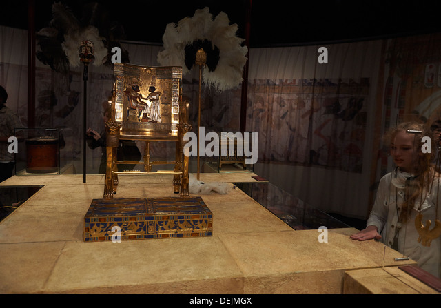king tutankhamen and his treasures King tutankhamun tomb the secrets of king tutankhamen & treasures king tutankhamun tomb in the valley of the kings his treasures, his life.