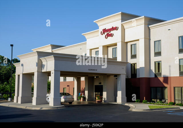 Alabama Troy Hampton Inn hotel chain exterior 2 story building entrance driveway motel - Stock Image