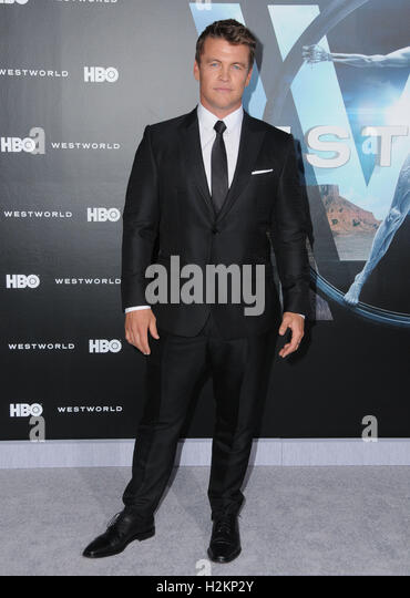 Hollywood, CA, USA. 28th Sep, 2016. 28 September 2016 - Hollywood, California. Luke Hemsworth. Los Angeles premiere - Stock-Bilder