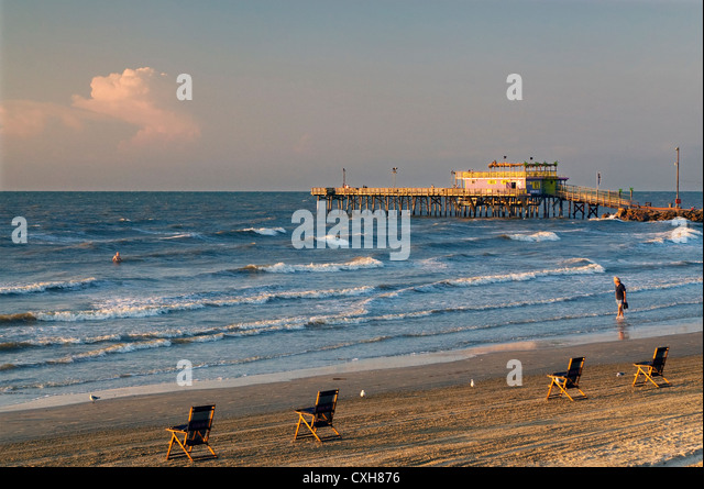 Fishing pier texas gulf coast stock photos fishing pier for Galveston pier fishing