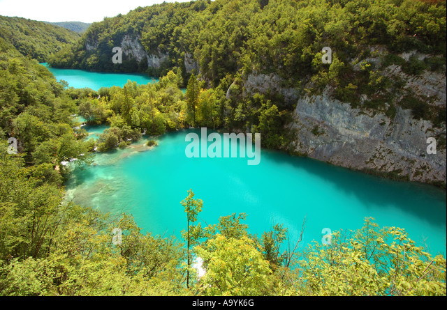 Turquoise lakes and lavish vegetation at the national park of Plitvicer lakes, Croatia - Stock Image