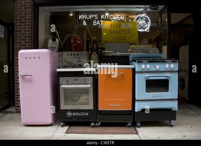 Retro Kitchen Appliances. 25 Modern Kitchen Design Ideas Making ...