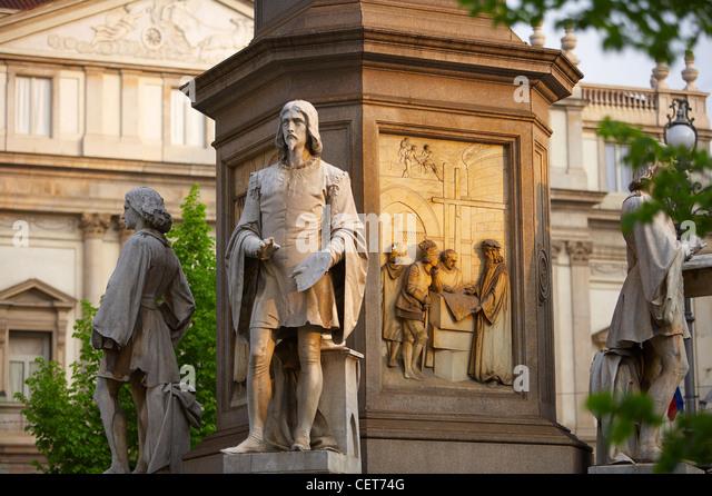a detail of the statue of Leonardo da Vinci in front of the Teatro Alla Scala opera house, Piazza Scala, Milan, - Stock Image