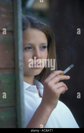 Teenage Girl Smoking Stock Photos Amp Teenage Girl Smoking