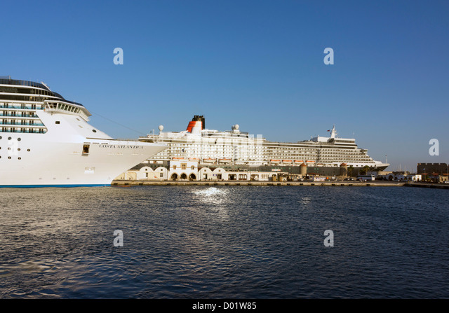 Cruise liners in Rhodes, Rhodos, harbour - Stock Image