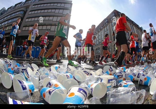 Berlin, Germany. 25th Sep, 2016. amateur athletes during the 43rd edition of the Berlin Marathon, held in Berlin - Stock Image