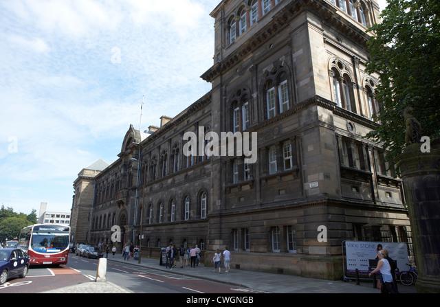 Edinburgh university stock photos edinburgh university for Classic house edinburgh