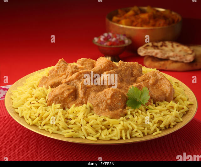 INDIAN CHICKEN KORMA MEAT CURRY MEAL - Stock Image