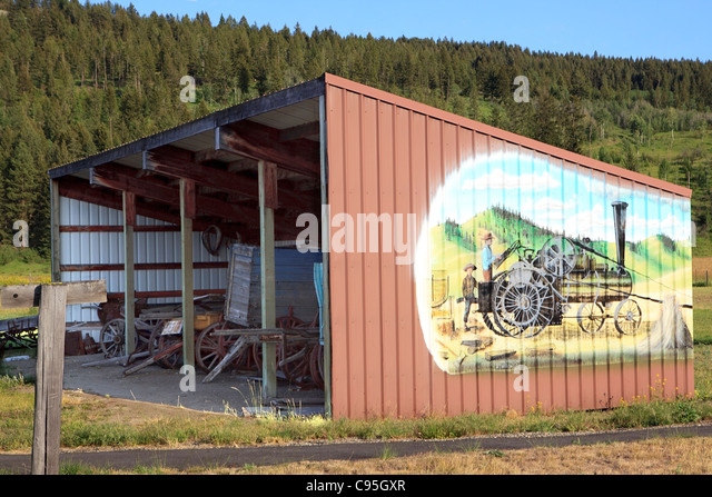 Mining shed stock photos mining shed stock images alamy for Building a tractor barn