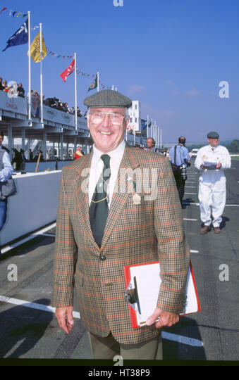 Commentator Murray Walker at 1998 Goodwood revival. Artist: Unknown. - Stock Image