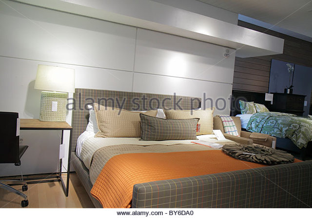 Boca Raton Florida Town Center at Boca Raton Crate & and Barrel home furnishings for sale retail display bed - Stock Image