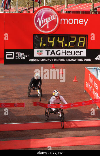 ​​​London, UK 24 April 2016.  Tatyana Mcfadden from the USA wins the Wheelchair womens T53/54 Virgin Money London - Stock Image