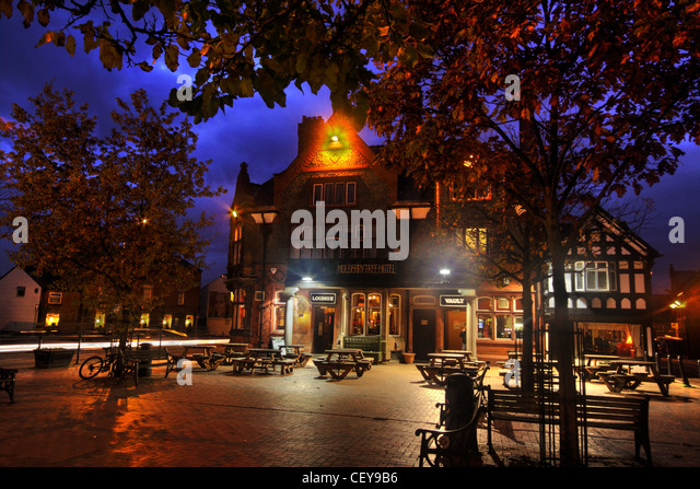 The Mulberry Tree Pub Stockton Heath, South Warrington, Cheshire UK at dusk - Stock Image