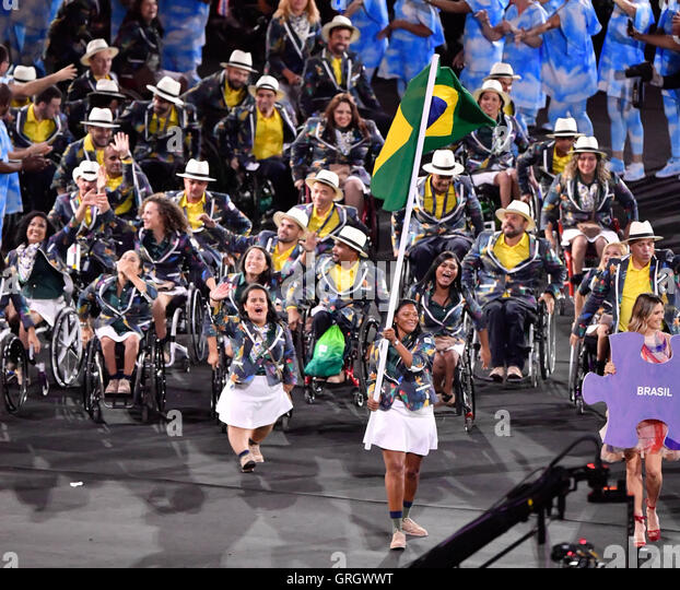 Rio De Janeiro, Brazil. 7th Sep, 2016. The delegation of Brazil enter the stadium during the opening ceremony of - Stock-Bilder