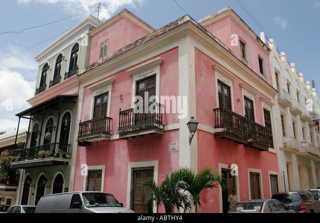 Puerto Rico Old San Juan Calle de la Cruz architecture balconies - Stock Image