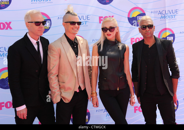 NO DOUBT  US rock group from left: Tom Dumont (guitar), Adrian Young (drums) , Gwen Stefani (vocalist) , Tony Kanal - Stock Image