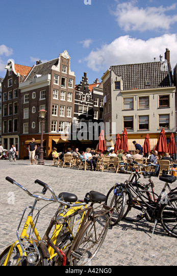Amsterdam Jourdan cafe on a canal bridge typical architecture bicycles - Stock Image